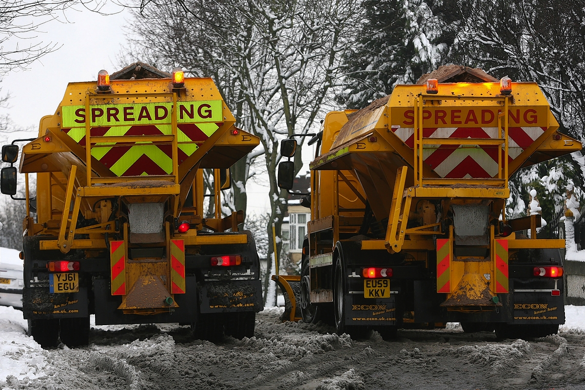 East Lancashire roads to be gritted as temperatures plummet