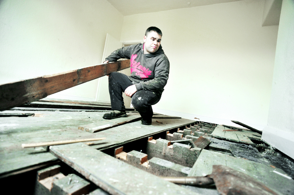East Lancs landlord brands areas of Burnley 'lawless' after thefts