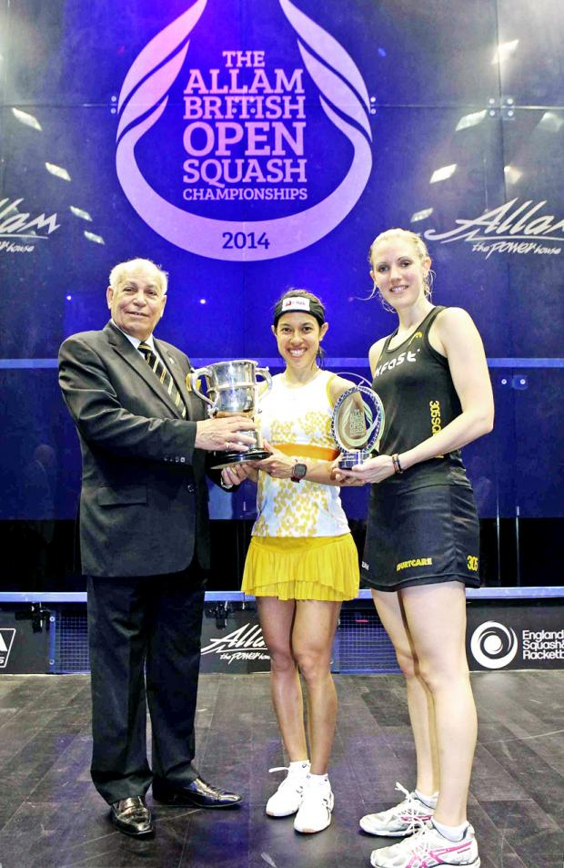 Chorley Citizen: Laura Massaro collects her runners-up trophy as Nicol David is crowned British Open champion
