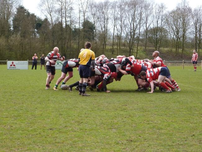 Chris Highton to pass the ball from scrum