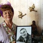 Chorley Citizen: Hilda Ogden's famous curlers, headscarf and pinny to go under hammer
